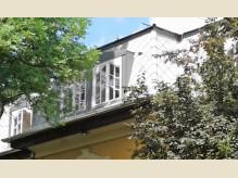 Íves, osztott üveges tetőtéri ablakok, erkélyajtó - duplafalcos szerkezettel.jpg